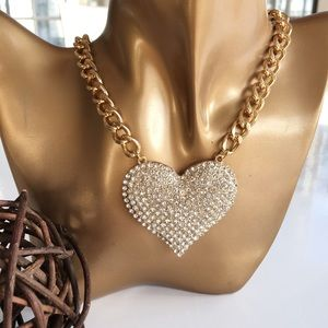 Jewelry - Brand new heart statement necklace